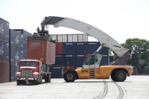 Realizacja transportu kontenerów