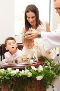 Najpiękniejszy koronkowy komplecik na chrzest