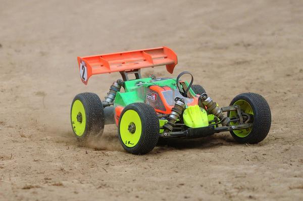 Auto na pilota – nie tylko zwykła zabawka
