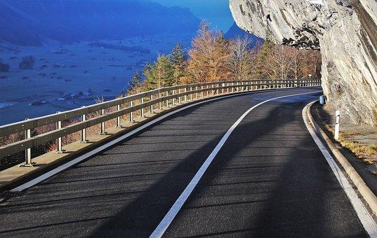 Wykorzystywanie barierek drogowych