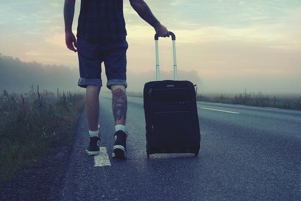 Czy walizki kabinowe są solidne?
