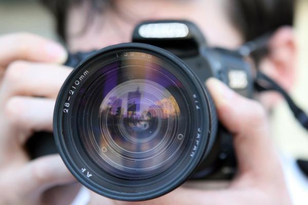 Read more about the article Na co zwrócić uwagę wykonując zdjęcia ślubne?