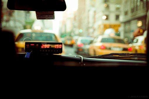 Wybieramy niezawodnego koguta do taxi